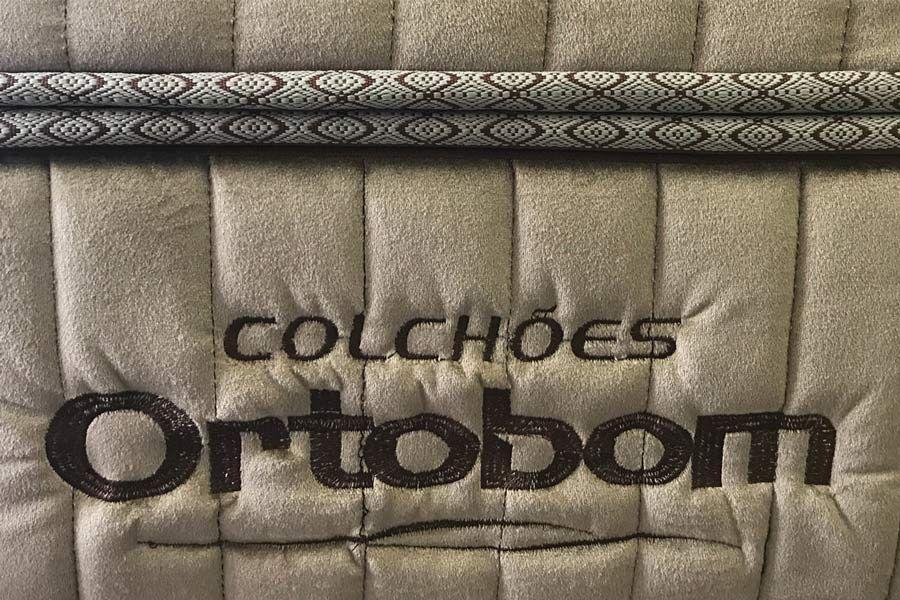 Colchão Ortobom de Molas Pocket Gold Ultragel + Cama Box Universal Nobuck Cinza
